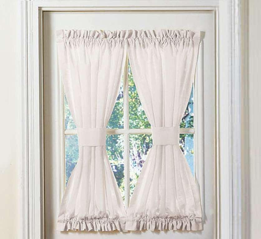 Cortina-para-ventana-de-banos2